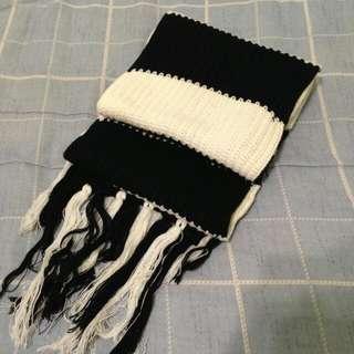 二手 | 黑白間隔針織圍巾