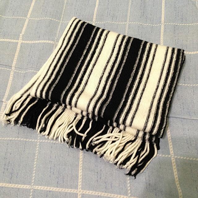 二手 | H&M 黑白條紋圍巾