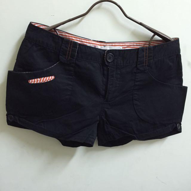 (二手)A LA SHA 黑色短褲S號