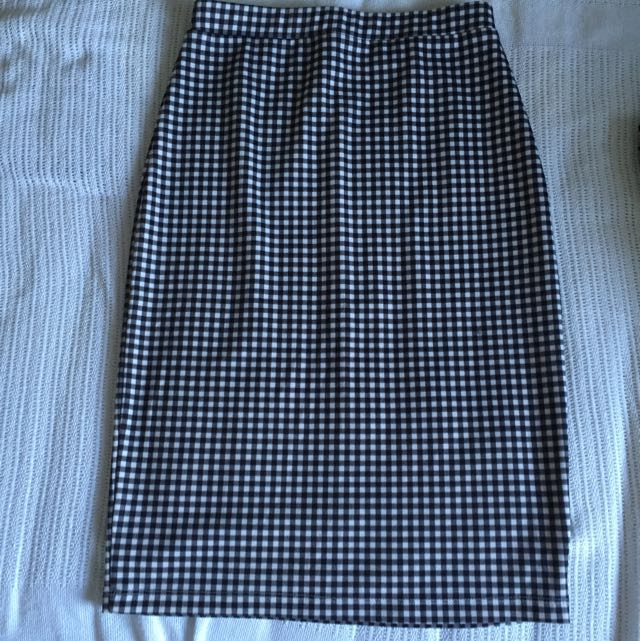 Balck And White Checkered Skirt Size 8