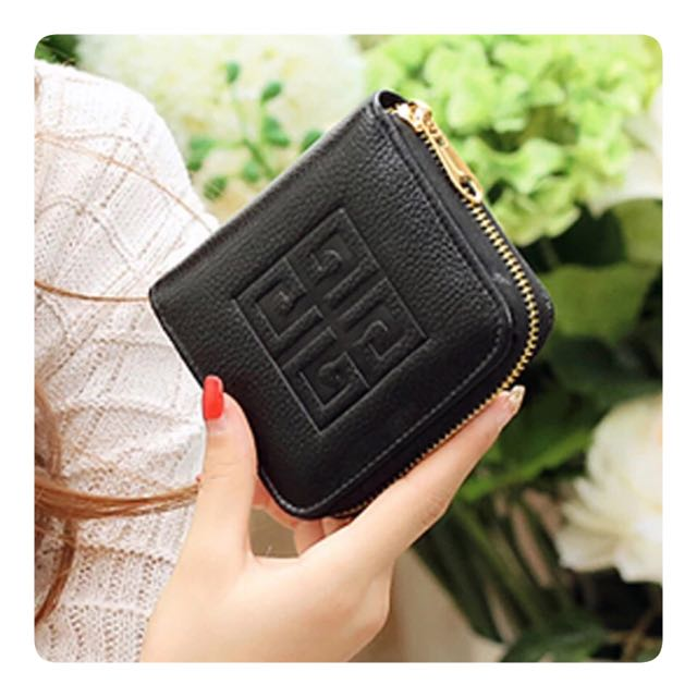 [BN] Givenchy Leather Purse