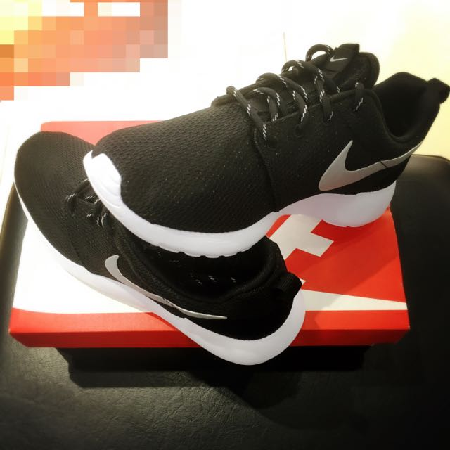 Nike Roshe run 黑白 銀勾 全新台灣公司貨(wmns roshe one) 尺寸齊