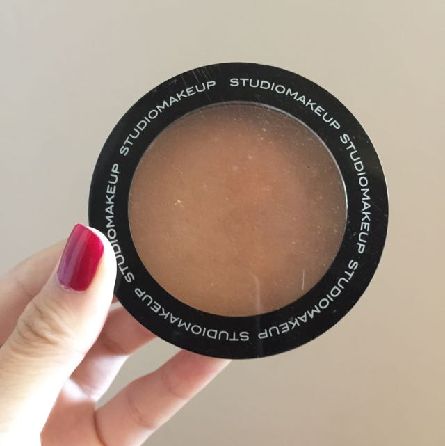 Studiomakeup Sun Touch Bronzing Powder In Light