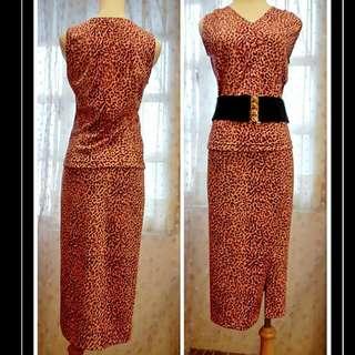 (一套)Rita粉紅豹紋V領長窄裙套裝