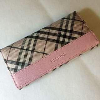 格紋粉紅色皮夾