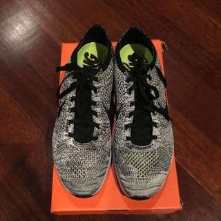 [SWAP/SALE] Nike Flyknit Racer Oreo 1.0 Volt (US 10)