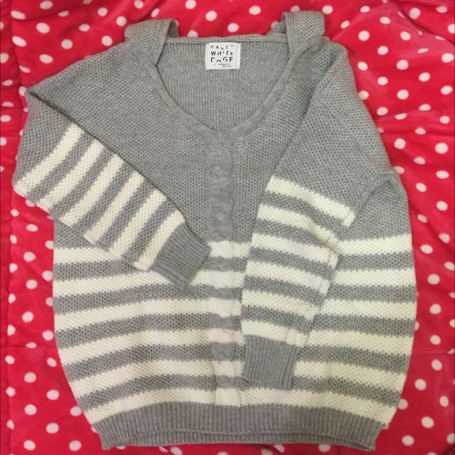灰白寬版條紋麻花捲設計針織毛衣