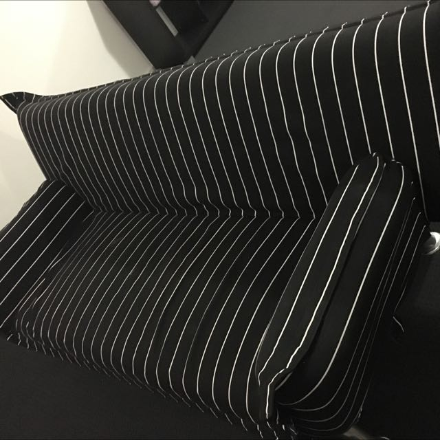 Black And White 3 Seater Sofa Bed