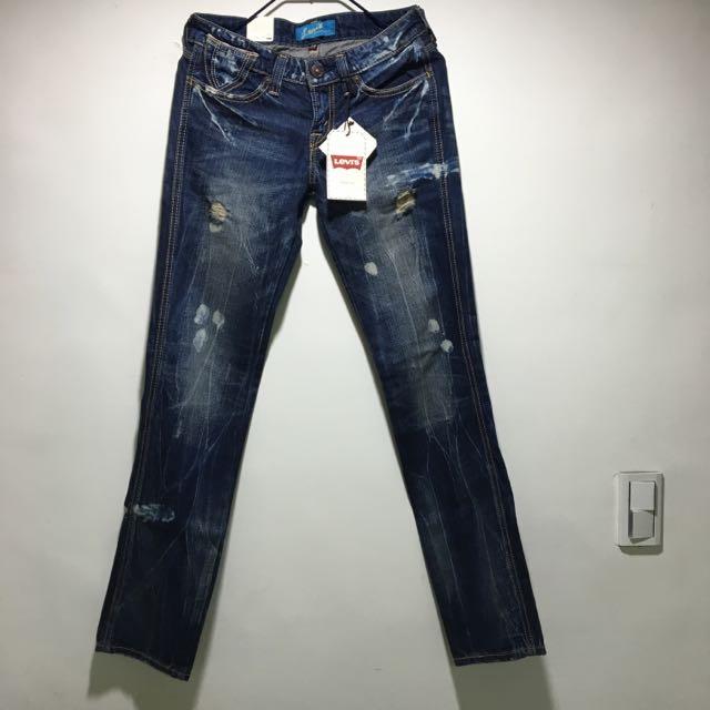 (全新)Levi's刷色刷破小直筒牛仔褲