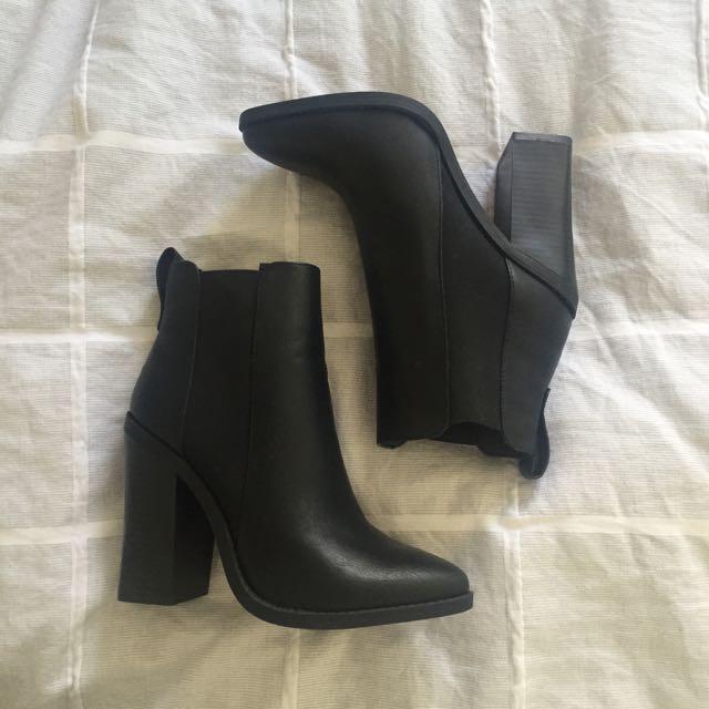 Lipstick Heeled Boots