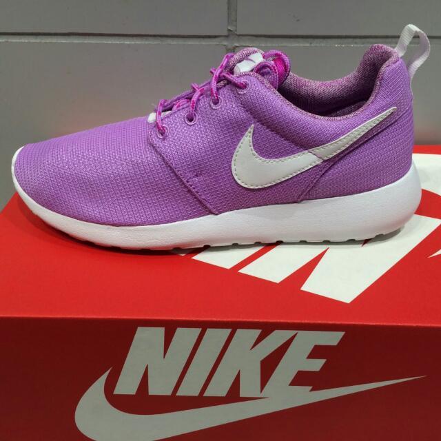 Nike Roshe Run 輕量慢跑鞋 女生紫色網布 運動鞋