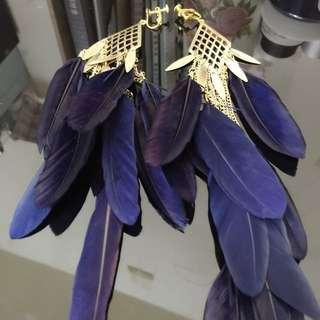 誰比我更時尚-深藍羽毛耳環(超全新)
