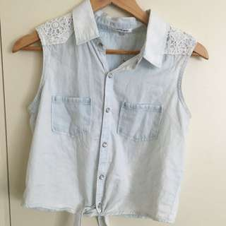 Cute Dotti Top. Size 8 but fits 6 as well.
