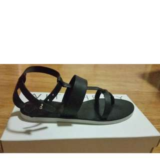 Brand New In Box WITCHERY Sandals