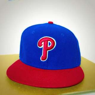 9成新✨ 免運 New Era 費城人全封棒球帽 Size: 7 (55.8cm) 紅藍配色