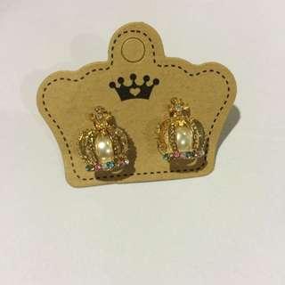 crown&pearl earrings