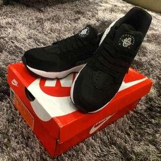 Nike 黑白武士 Us5.5