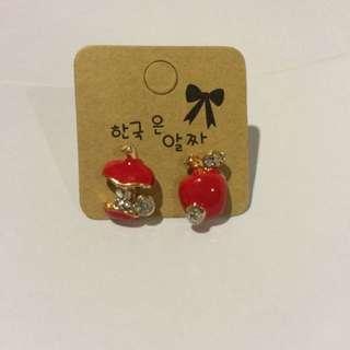 🍎 earrings