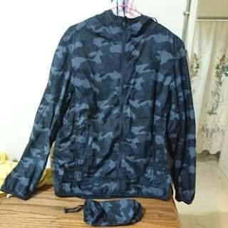 S號 Uniqlo深藍迷彩防風外套