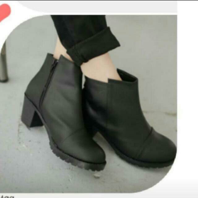 🌟免運黑色高跟鞋