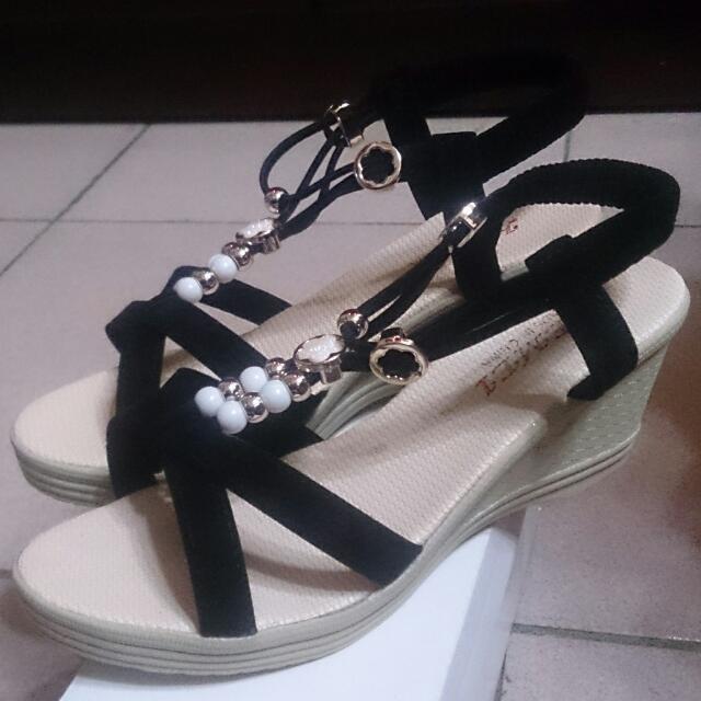 全新 黑色 楔型涼鞋 39