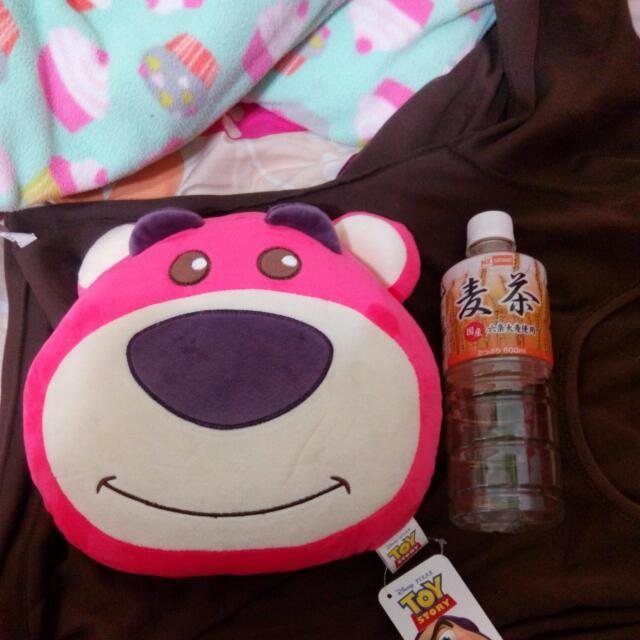熊抱哥 迪士尼 可以玩偶 小抱枕