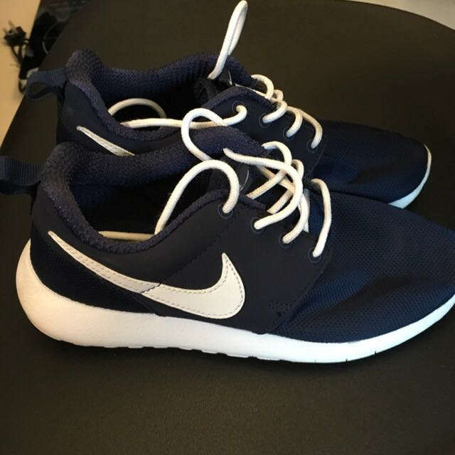 Authentic Nike Roshe Run Navy Size 36 271041137