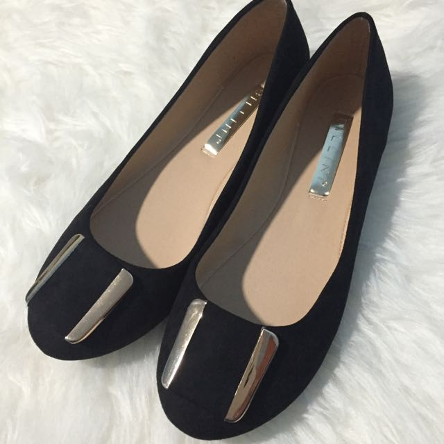 NEW Billini Flats with gold detail
