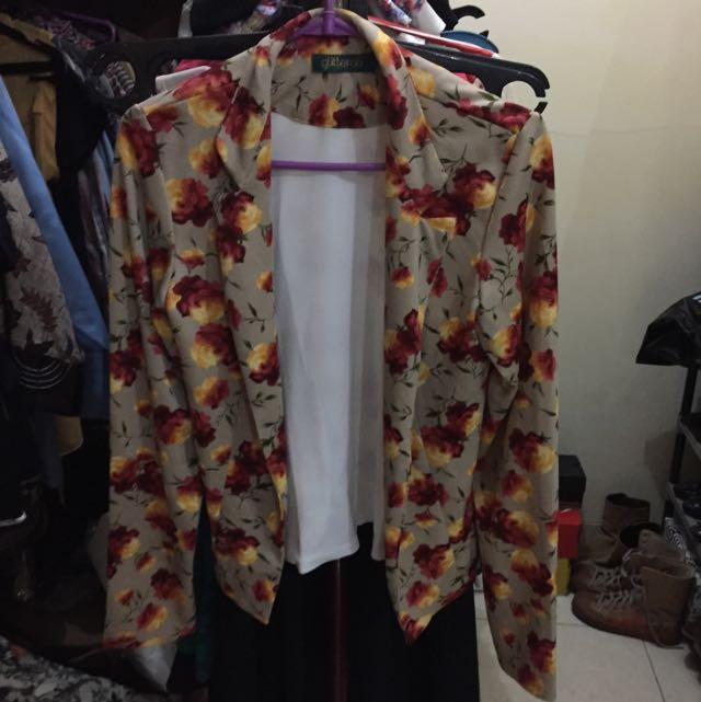 Buttonless (open front) Floral Blazer