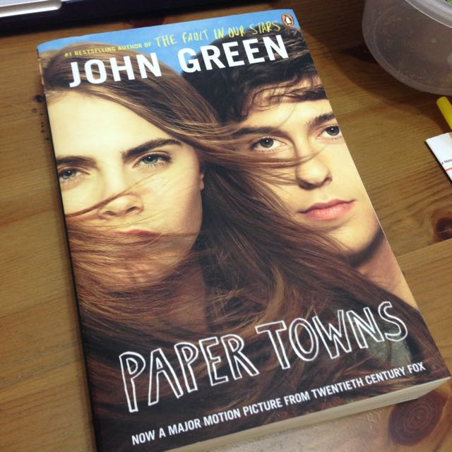 [FREE SHIPPING] Paper Towns By John Green With An Excerpt Of The Fault In Our Stars.