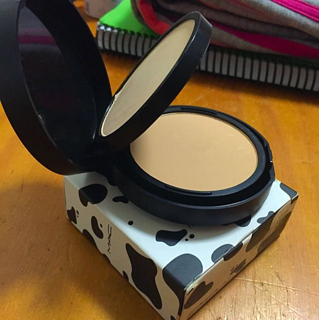 MAC Powder/Foundation (replica)