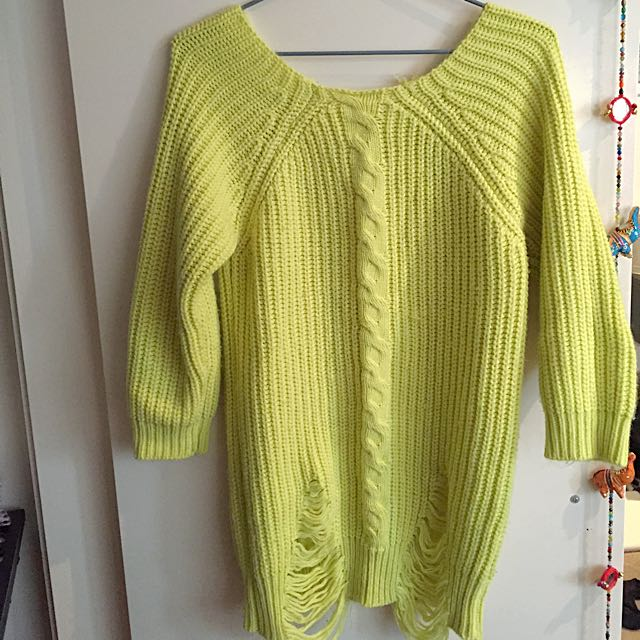 Morè Jumper With Ripped Front