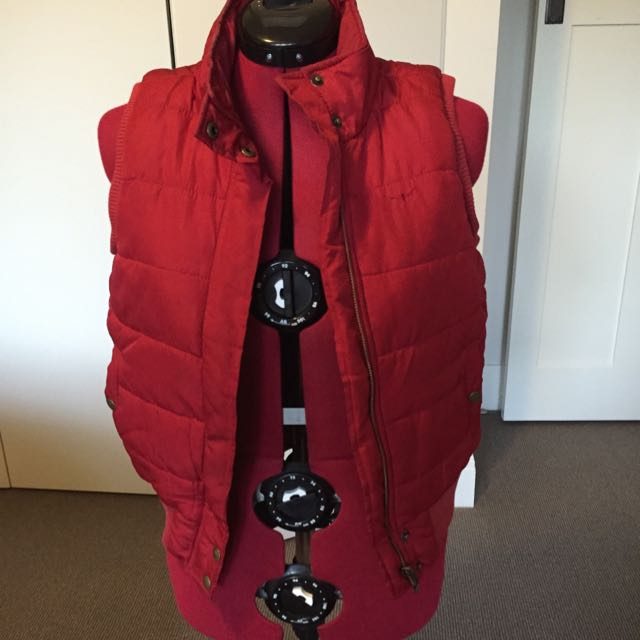 RM Williams Longhorn Puffer Vest Red