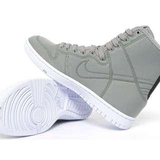 RARE Nike WMNS Aquadunk Hi Skinny - Women's US8/UK5.5/EUR39