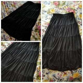 Basics - Supre Long Black Skirt