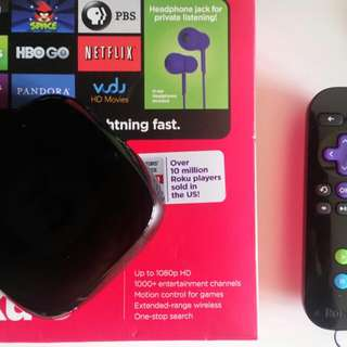 Roku 3 Streaming Player 1080p HD plus enhanced remote with headphone jack - Used