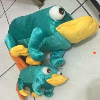 日本迪士尼購入 鴨嘴獸泰瑞 娃娃