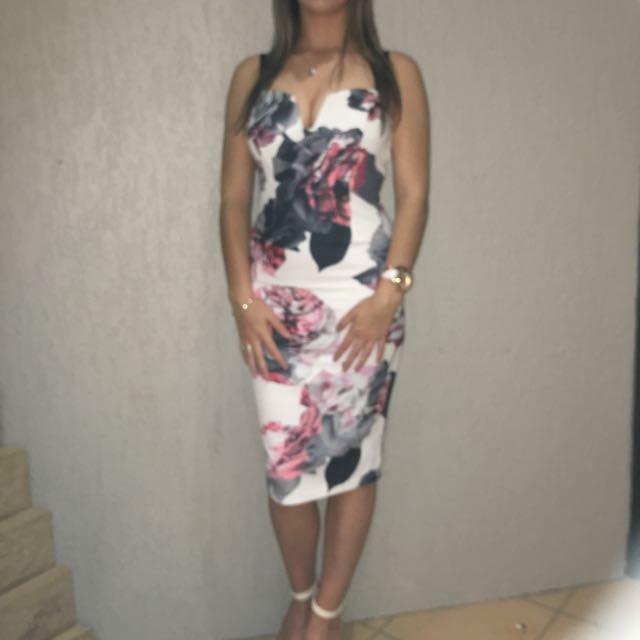 Ally Size 8 Dress Knee Length