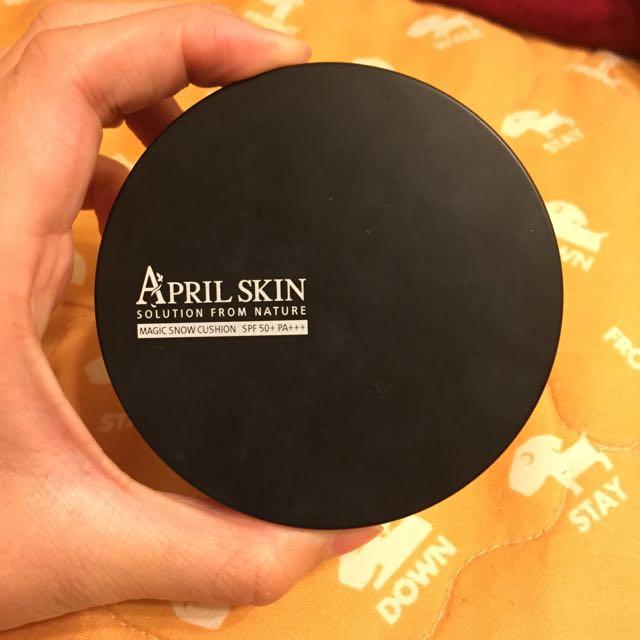 April skin 魔法雪白氣墊粉餅 21號 (含運)