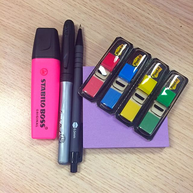BRAND NEW Marking Pen and Sticky Notes Set