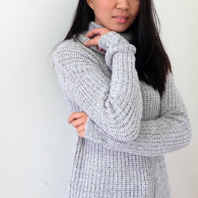 H&M Gray Turtleneck Knit Sweater.