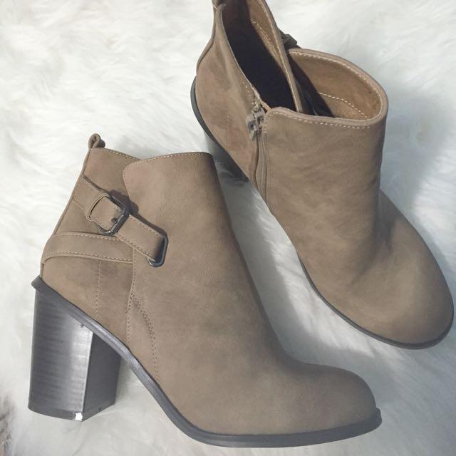 New Light tan boots