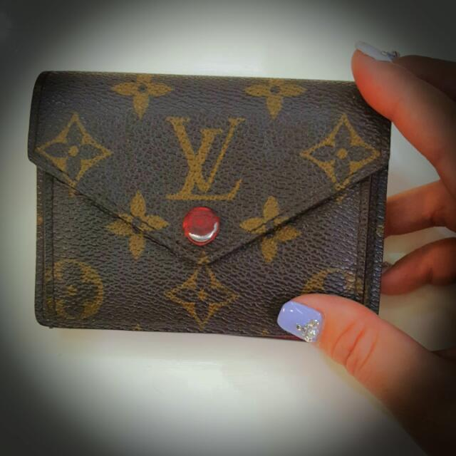 LOUIS VUITTON 短夾
