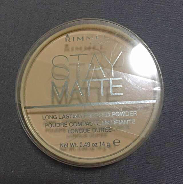 Rimmel Stay Matte Pressed Powder in 004 Sandstorm