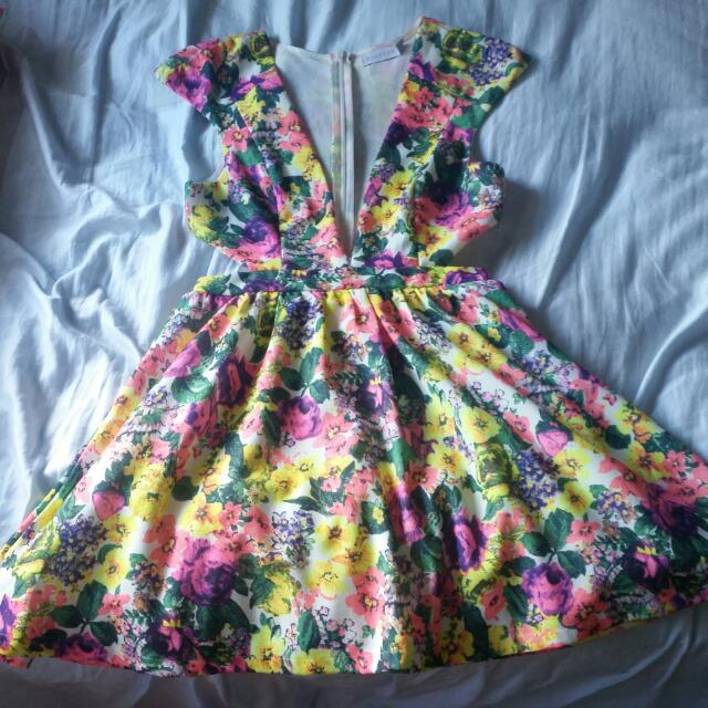 Womens Size 8 Dress