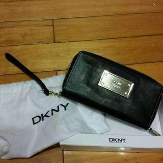 DKNY雙鍊長夾
