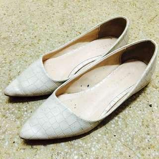 正韓 蛇紋尖頭鞋22.5