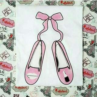 Kaos Cewek Ballad Shoes