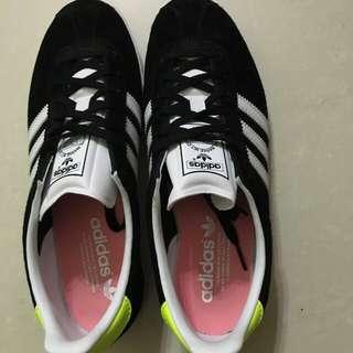 愛迪達 adidas 黑色 鞋