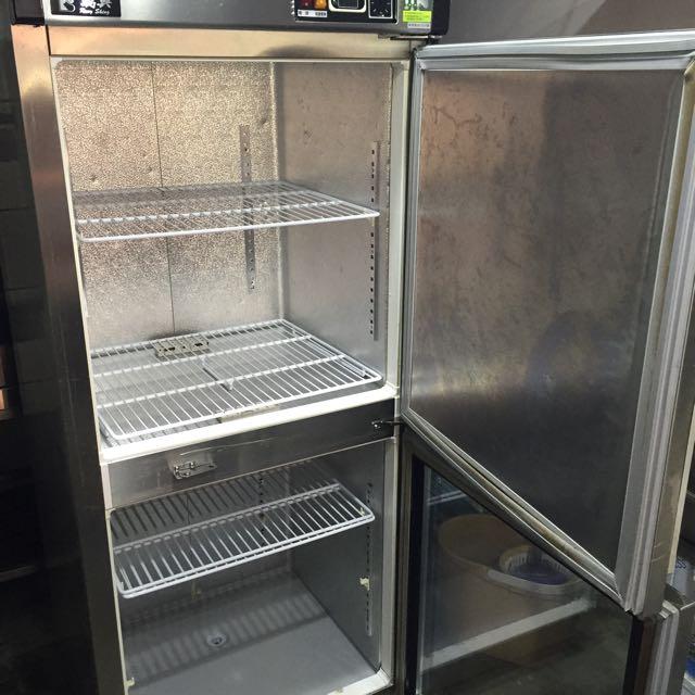 營業用立式上凍下藏冰箱。低售